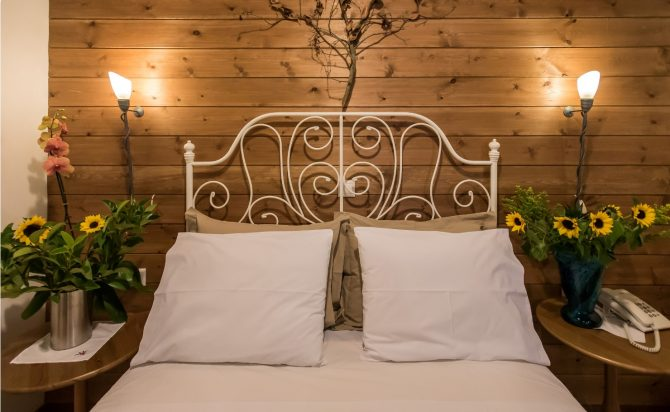 Country style bed Karpenisi